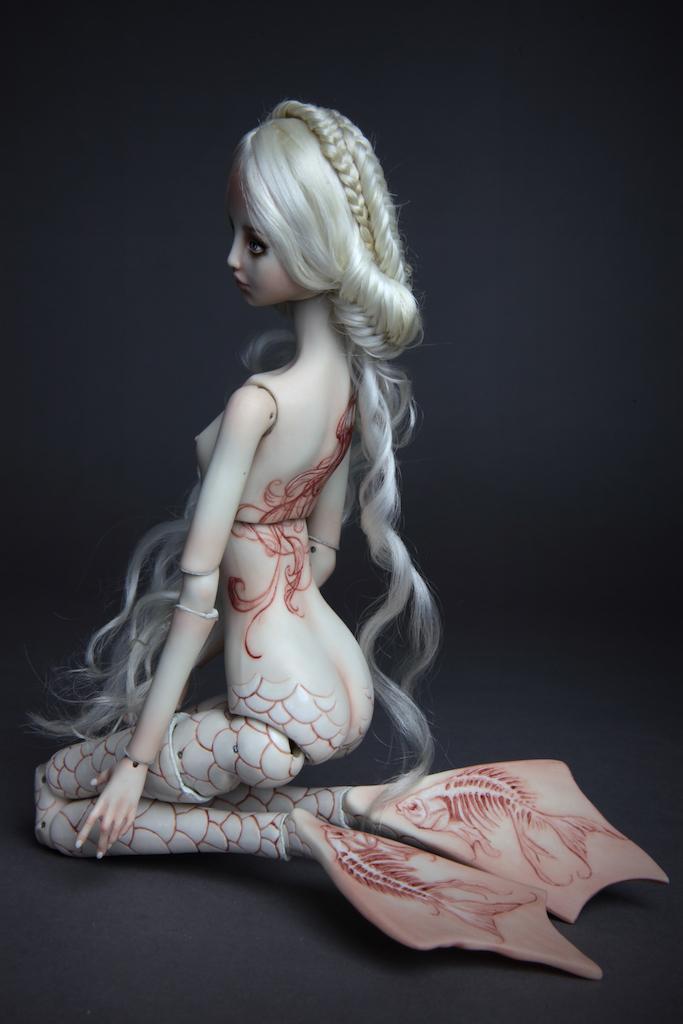 IMG 7824 15  Pale Mermaid Ova