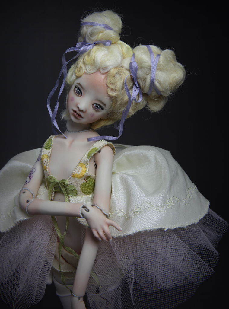 IMG 8265 13 Maya Yellow Rococo Menina