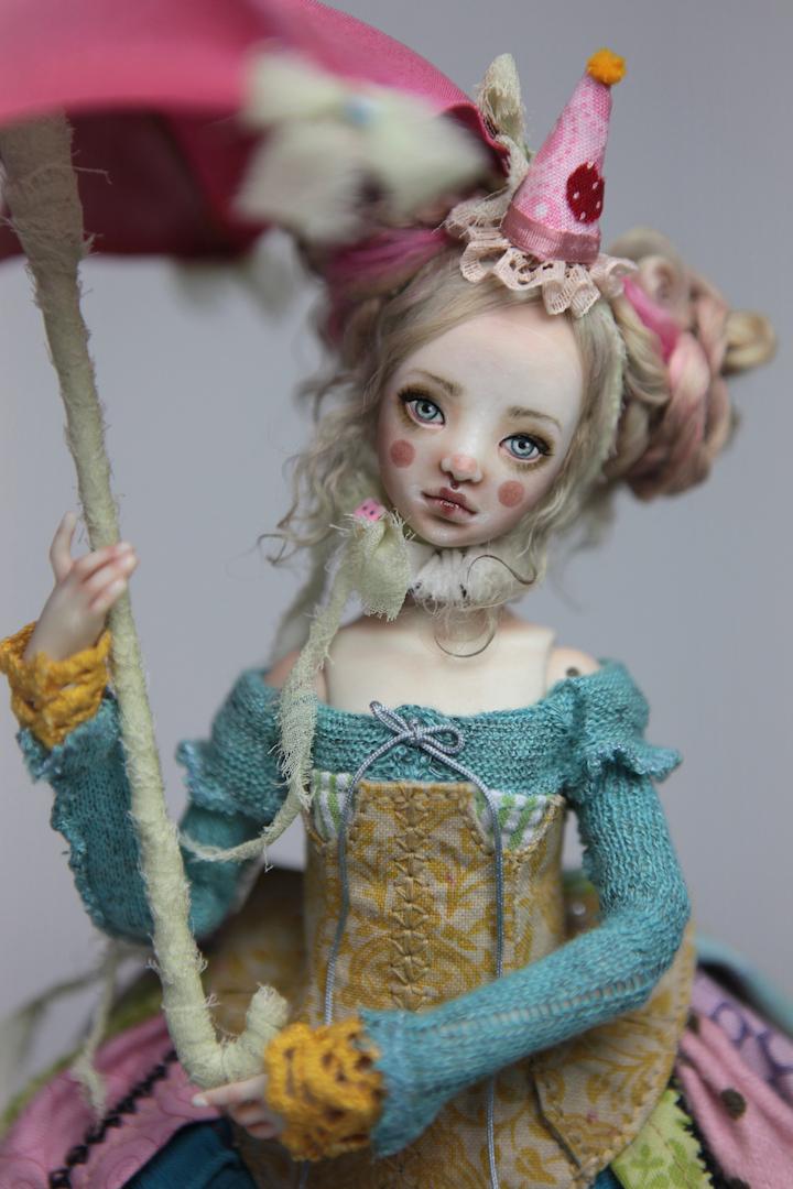 IMG 8551 15 Victorian Roadside Circus Clown Porcelain BJD Maya