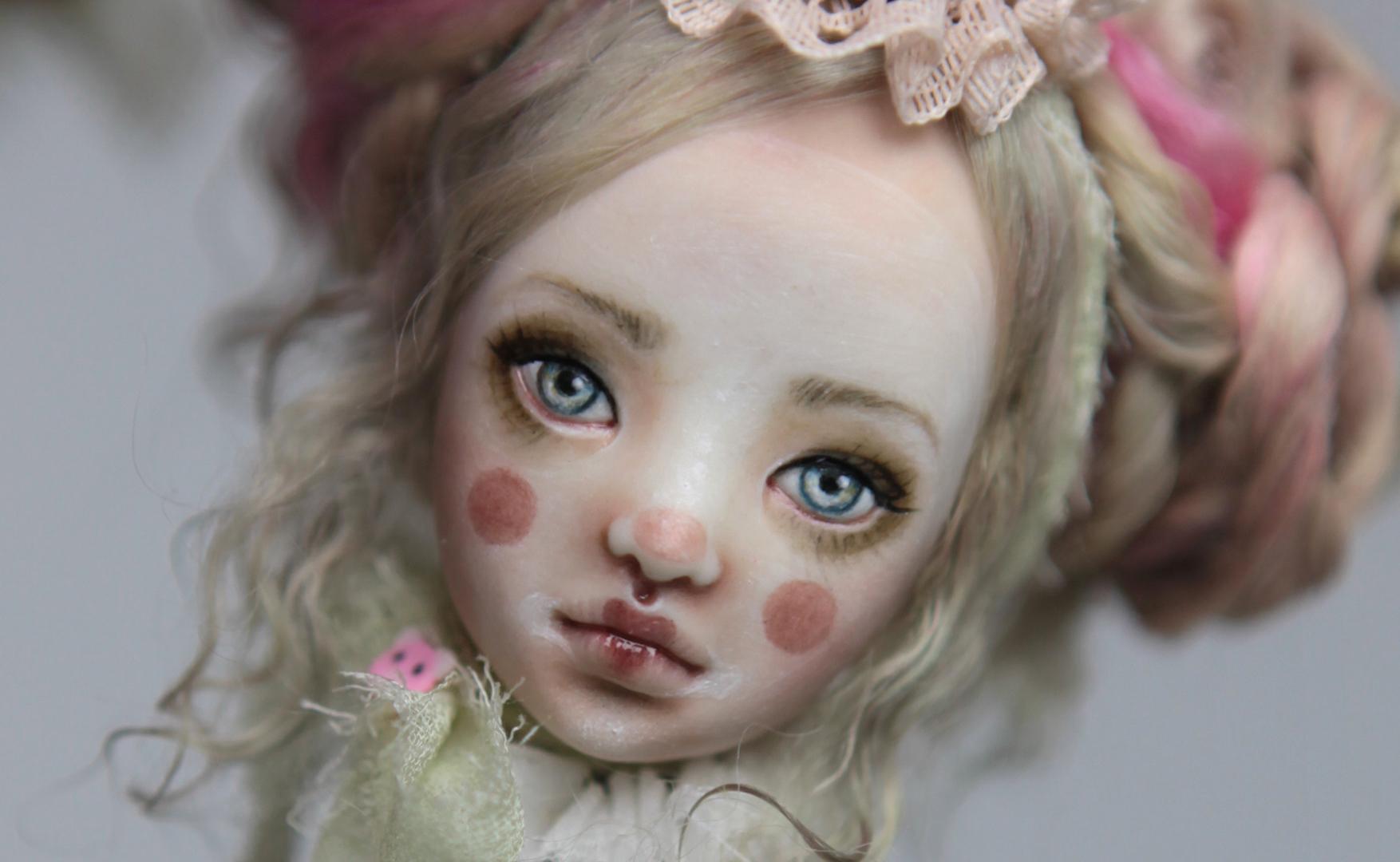 IMG 8551a 15 Victorian Roadside Circus Clown Porcelain BJD Maya