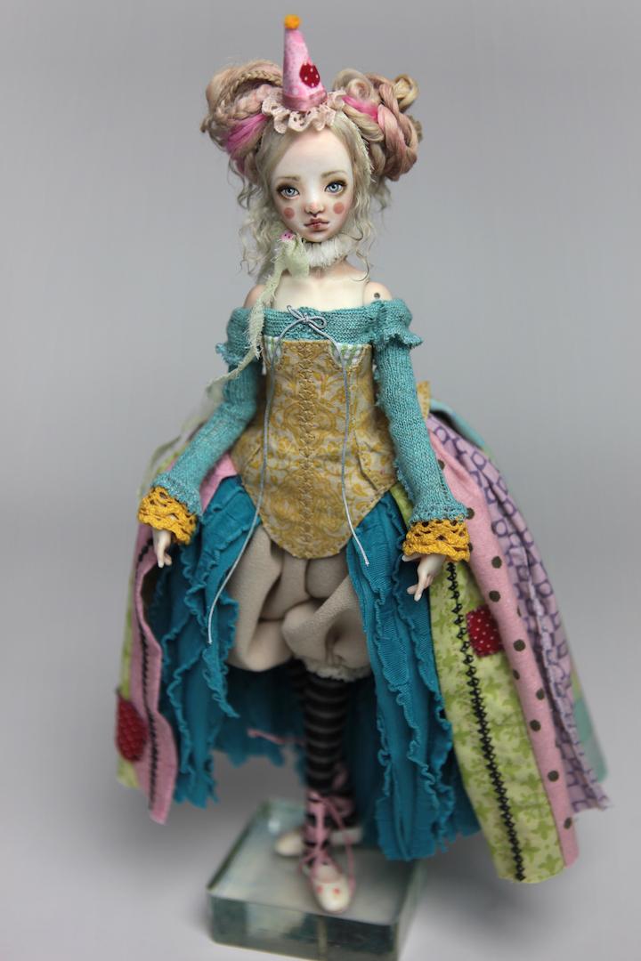 IMG 8559 15 Victorian Roadside Circus Clown Porcelain BJD Maya
