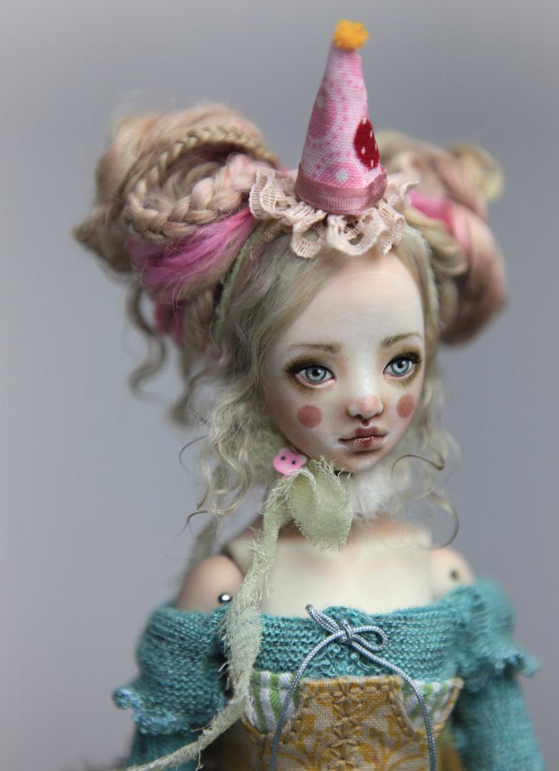 IMG 8560 15 Victorian Roadside Circus Clown Porcelain BJD Maya