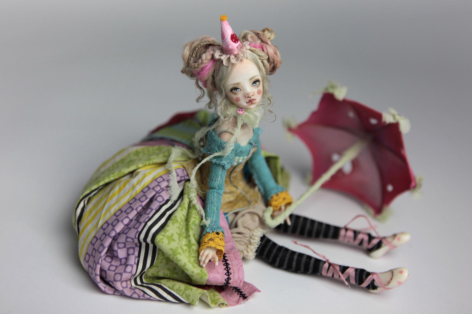 IMG 8564 15 Victorian Roadside Circus Clown Porcelain BJD Maya