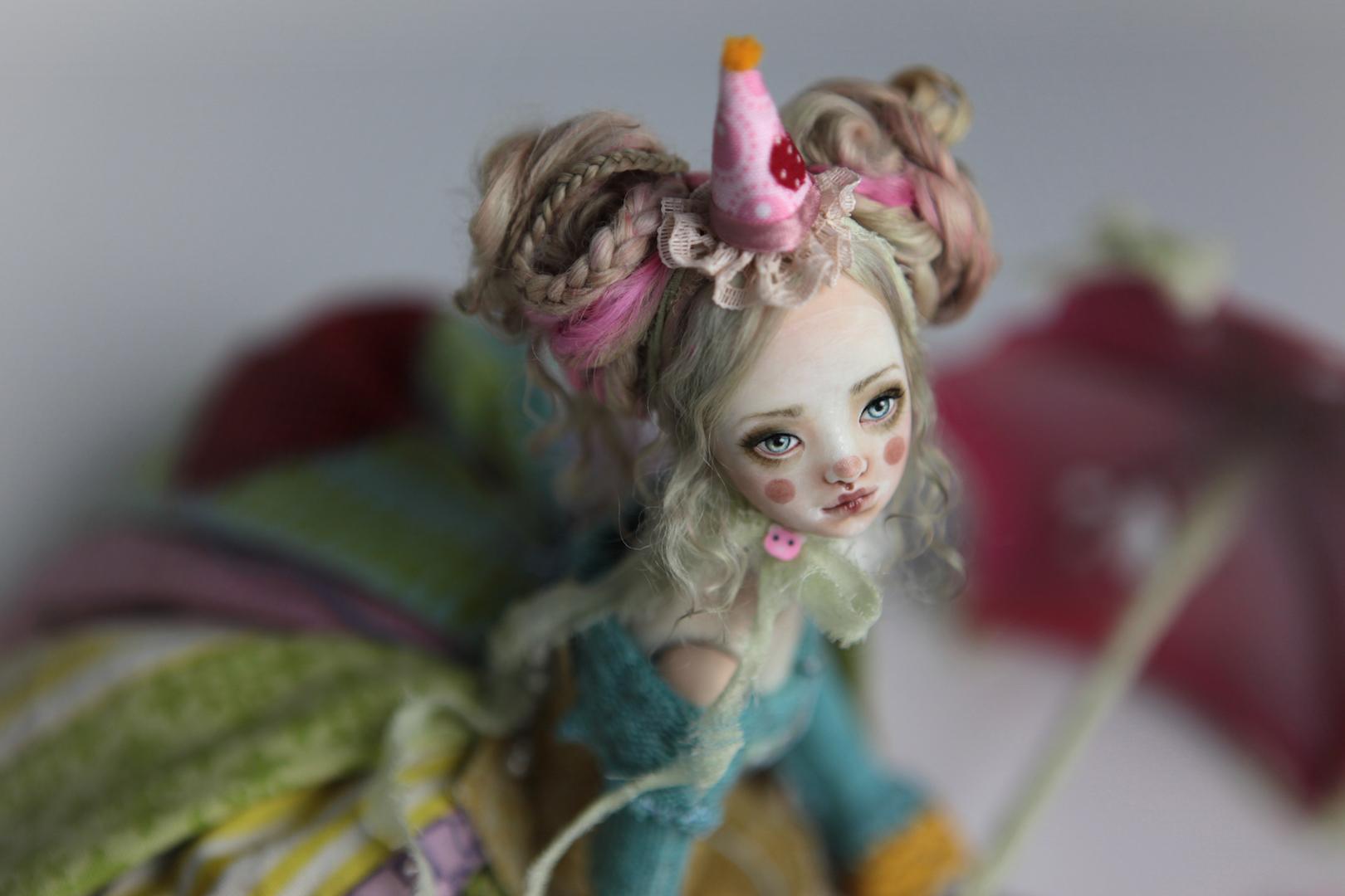 IMG 8566 15 Victorian Roadside Circus Clown Porcelain BJD Maya