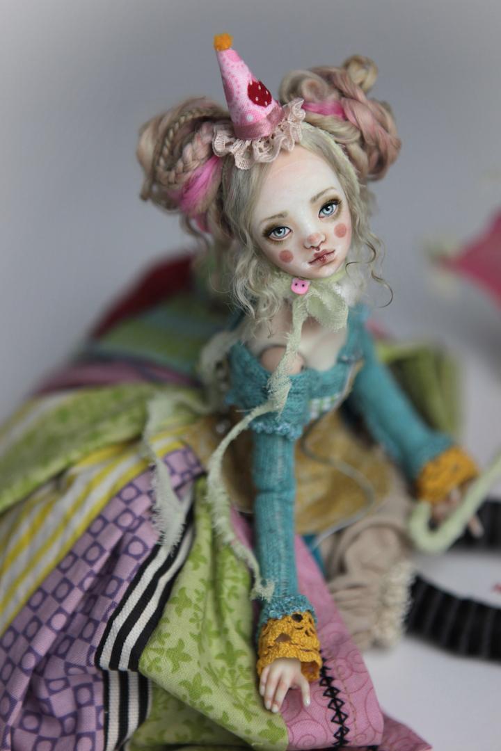 IMG 8567 15 Victorian Roadside Circus Clown Porcelain BJD Maya
