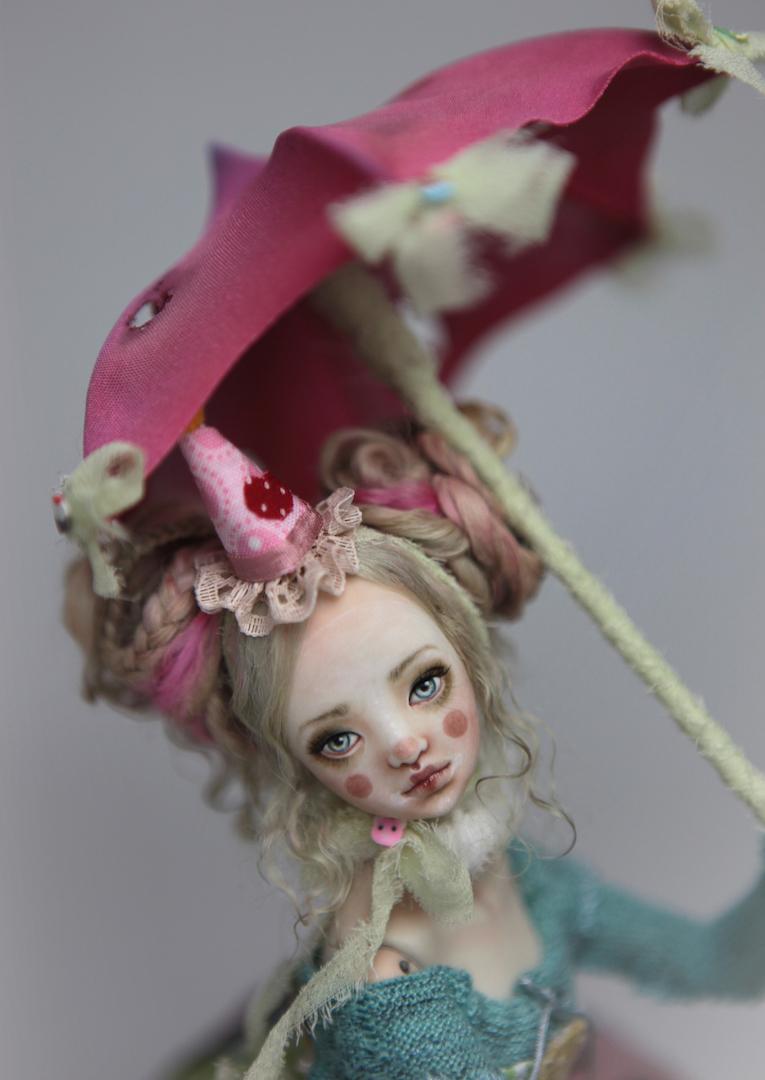 IMG 8573 15 Victorian Roadside Circus Clown Porcelain BJD Maya