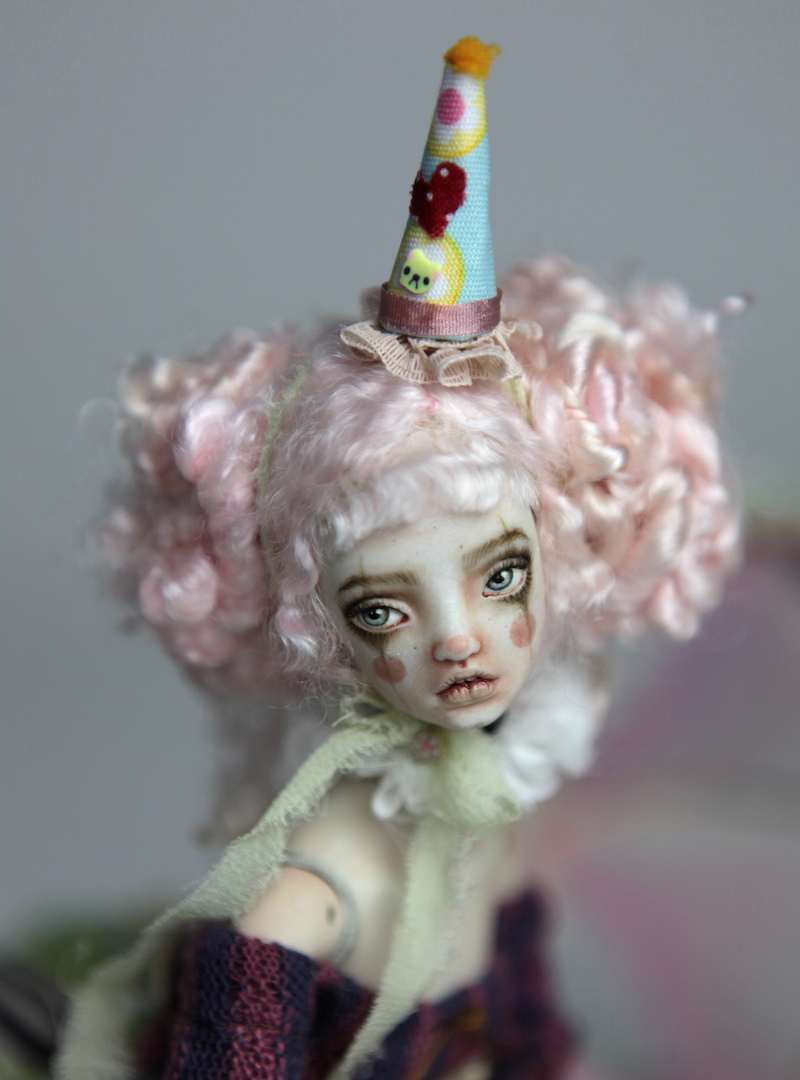 IMG 8606 15 Victorian Roadside Circus Clown Porcelain BJD Doll Alice