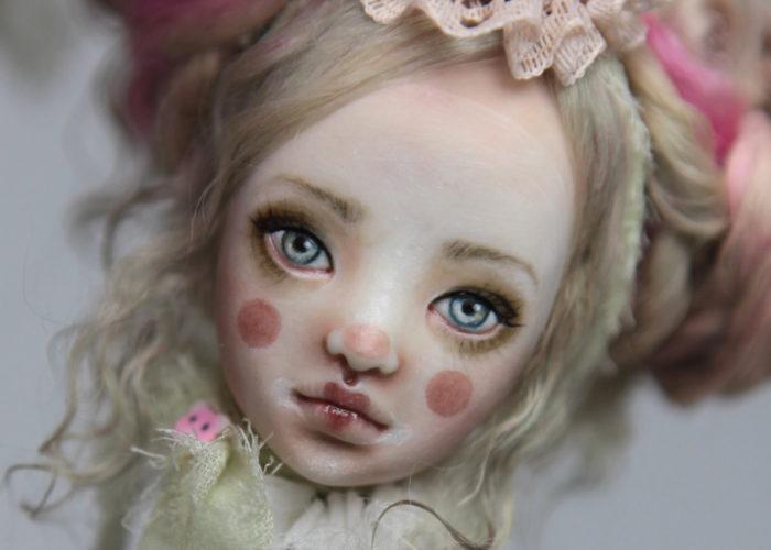 Porcelain BJD Dolls Clowns Forgotten HeartsIMG 8551a 700x500 Porcelain BJD Dolls | Forgotten Hearts Dolls
