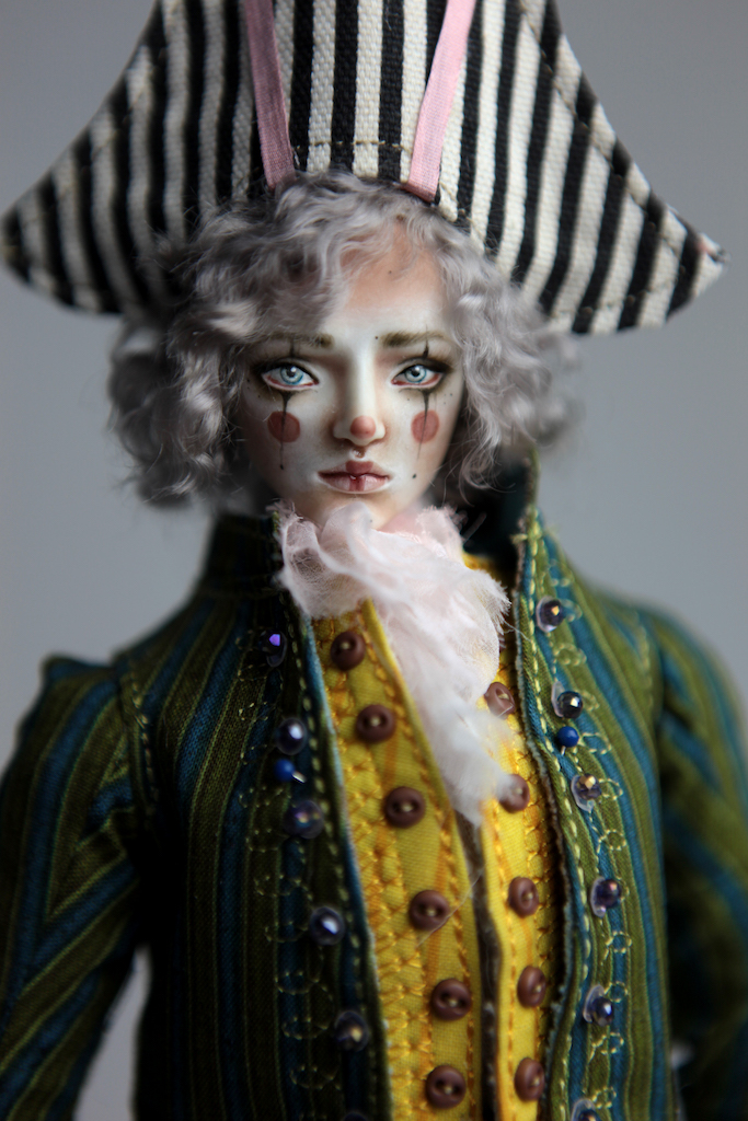 Porcelain BJD Dolls Victorian Strawberry56 Pierrot, a Porcelain BJD Boy inspired on the 1700s costume