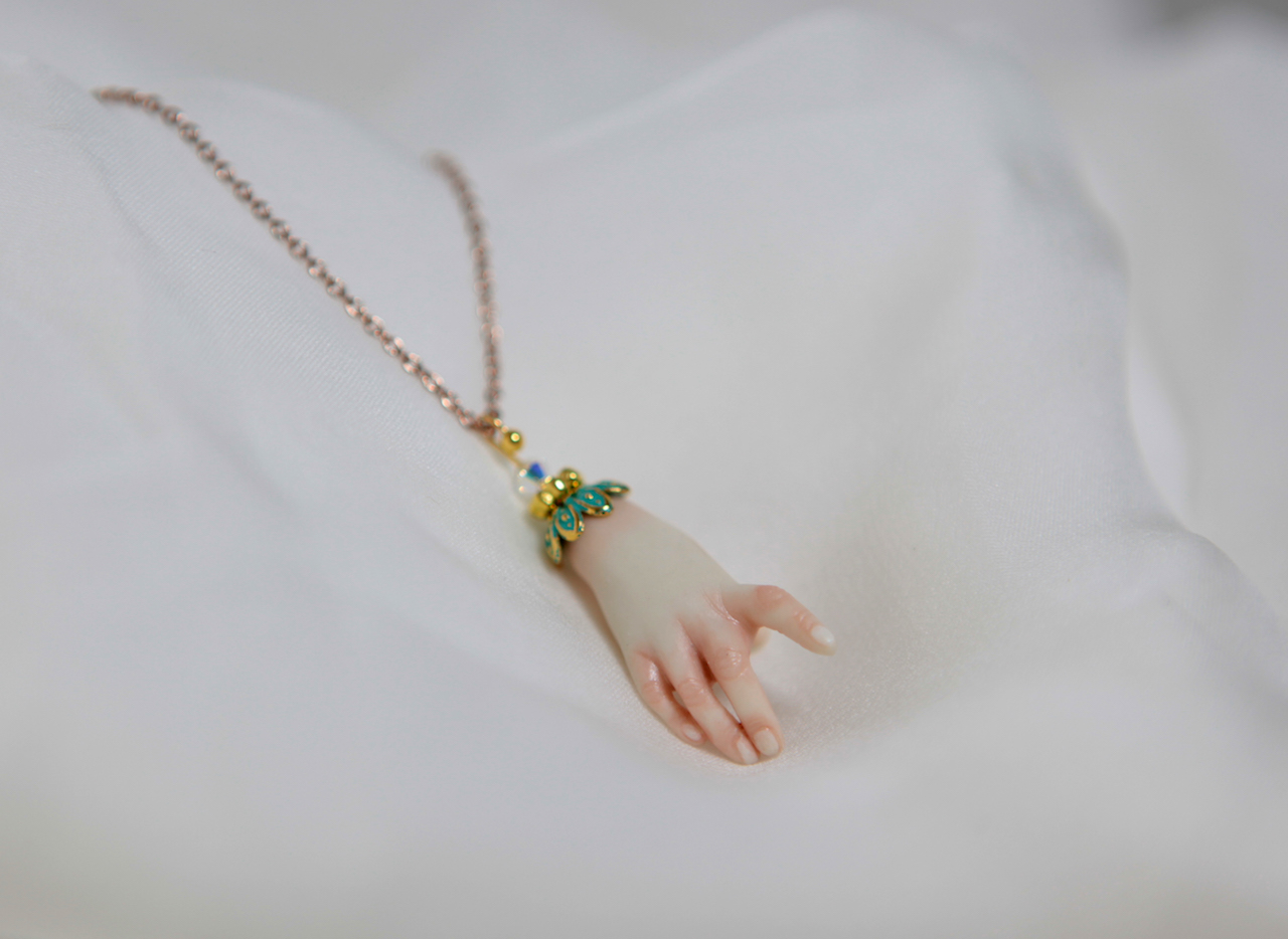 BJD Doll Jewelry Necklace 1 Porcelain BJD Doll Hand Charm Jewelry
