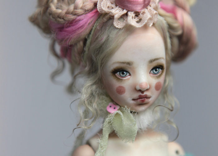 Porcelain BJD Dolls Clowns Forgotten HeartsIMG 8560 700x500 Porcelain BJD Dolls | Forgotten Hearts Dolls