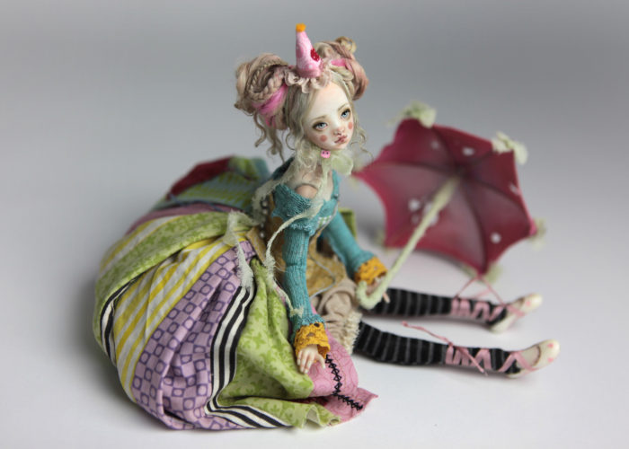 Porcelain BJD Dolls Clowns Forgotten HeartsIMG 8563 700x500 Porcelain BJD Dolls | Forgotten Hearts Dolls