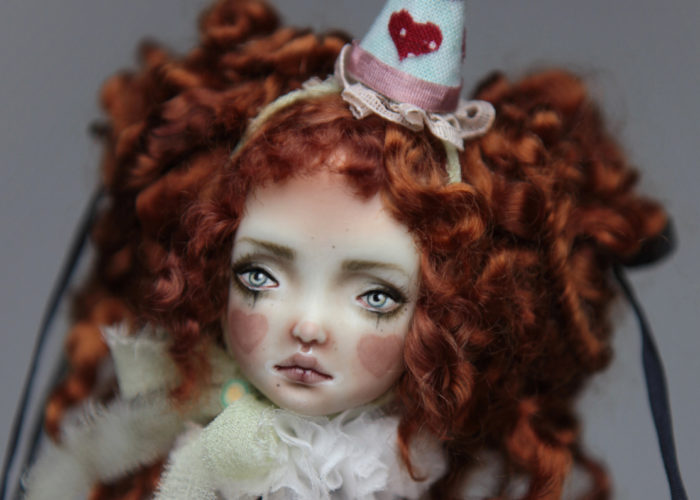Porcelain BJD Dolls Clowns Forgotten HeartsIMG 8581 700x500 Porcelain BJD Dolls | Forgotten Hearts Dolls
