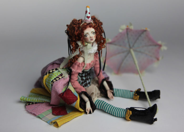Porcelain BJD Dolls Clowns Forgotten HeartsIMG 8582 700x500 Porcelain BJD Dolls | Forgotten Hearts Dolls